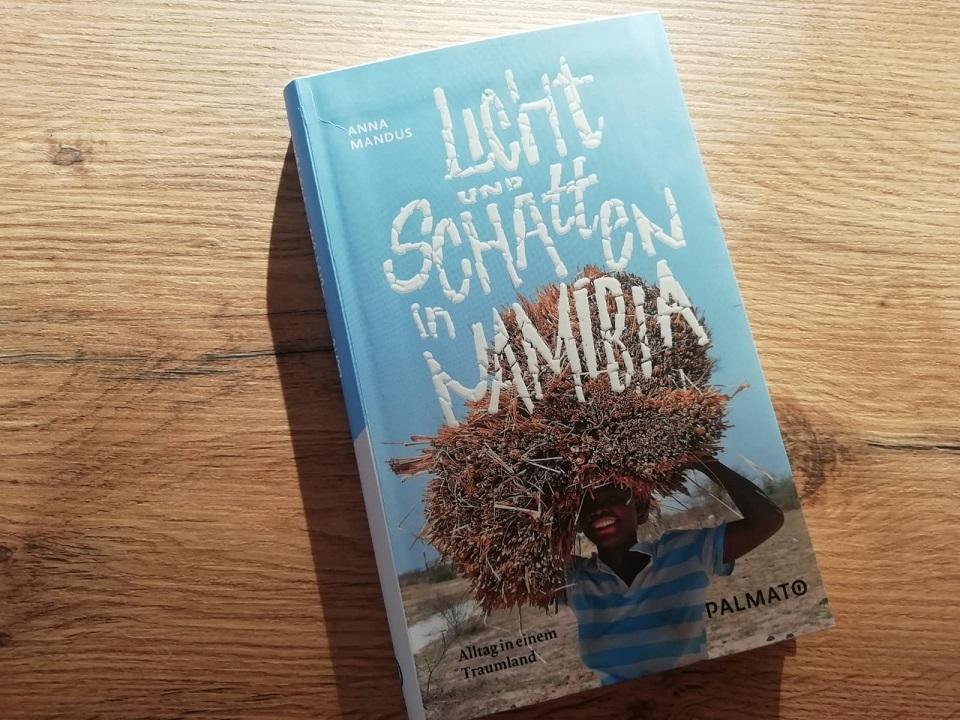 Licht und Schatten in Namibia beste Bücher Namibia Palmato Verlag